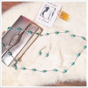 Jewelry - Glass Mint Pearl Necklace/Earring Set